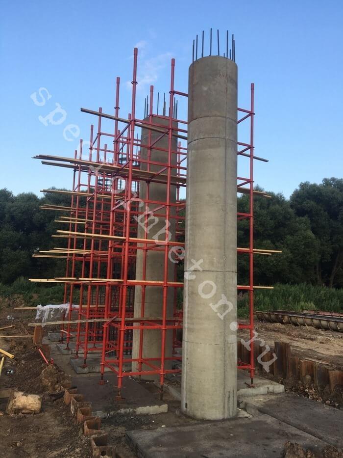 Круглый бетонные колонны